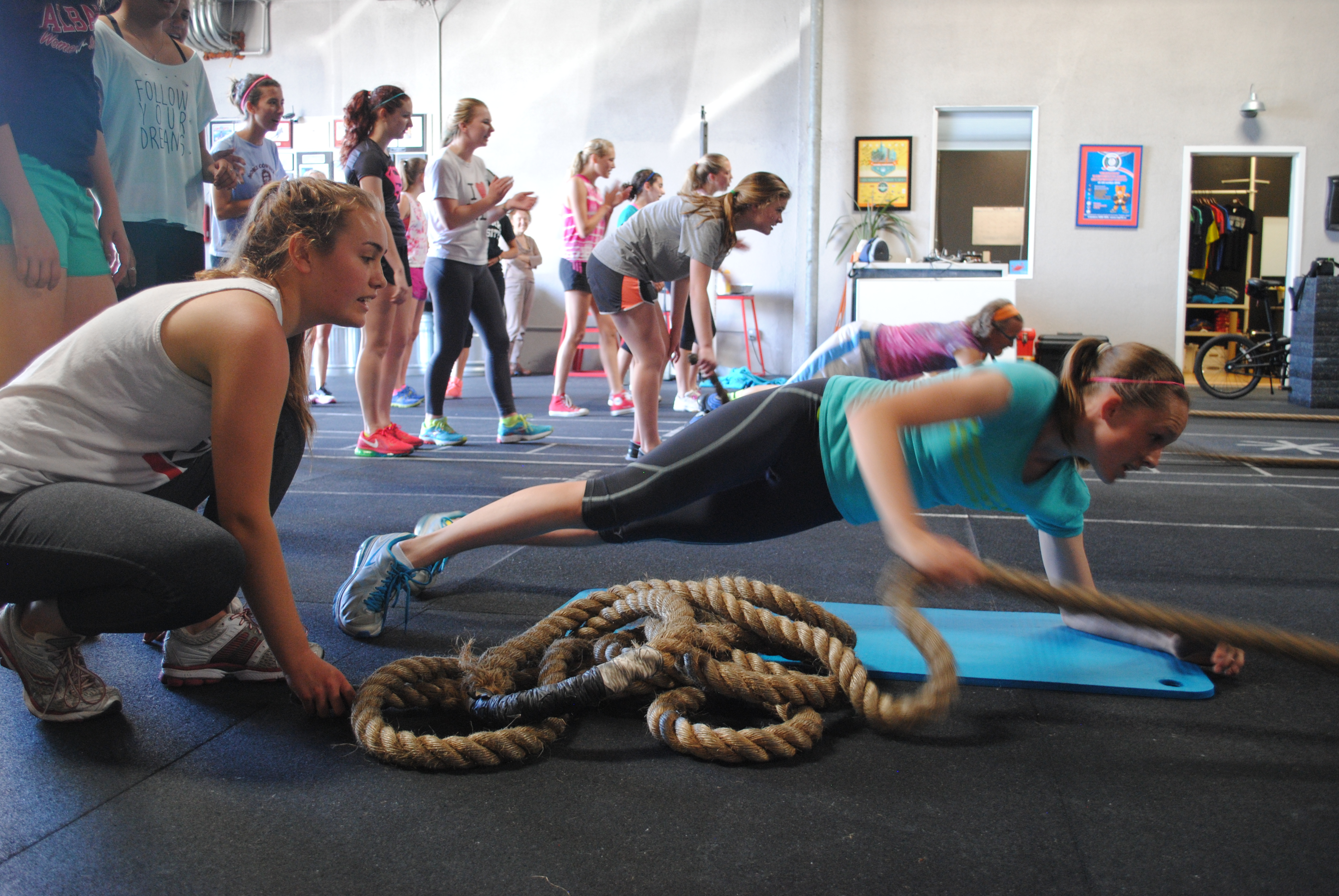 Plank Rope Pull